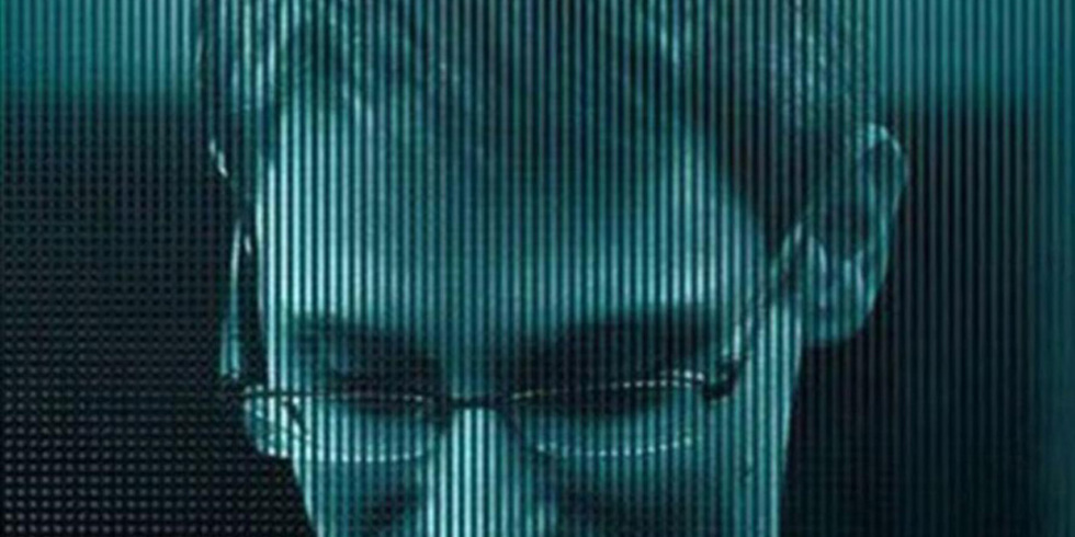 http://esquireuk.cdnds.net/15/37/980x490/980x490-citizenfour-documentary-43-jpg-963ec112.jpg