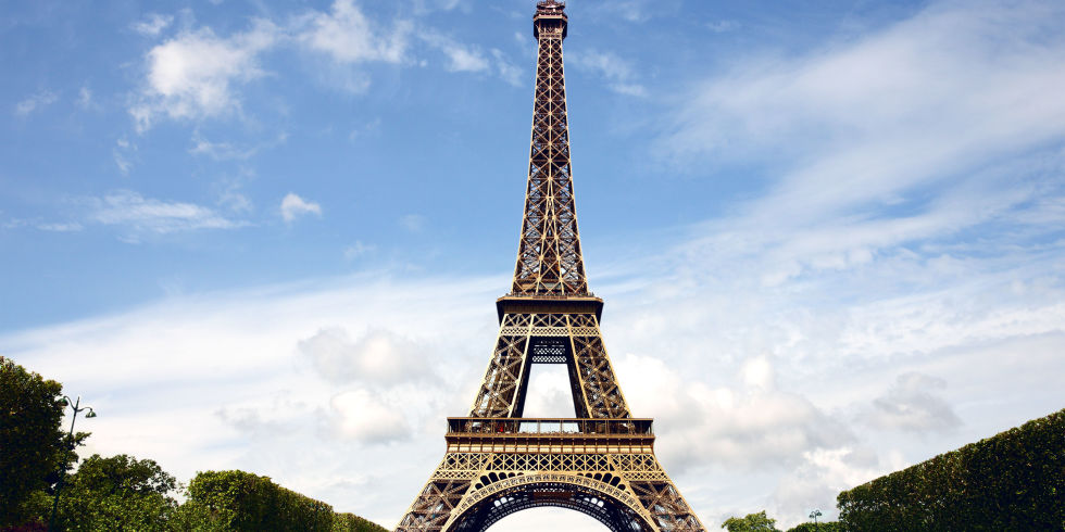 http://esquireuk.cdnds.net/17/06/980x490/landscape-1486719175-eiffel-tower.jpg